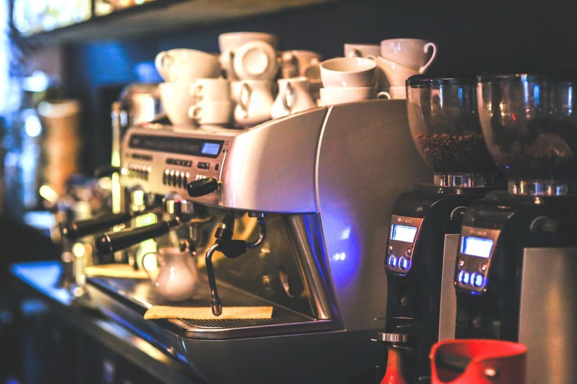 Кофемашина для мини кофейни. Харрактеристики кофемашин