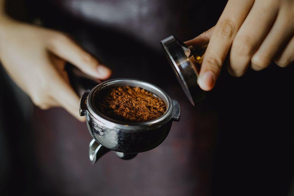Прессовка кофе